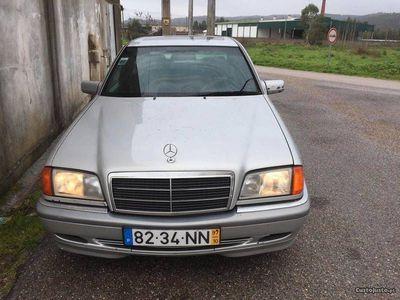 usado Mercedes C250 2.5 150cv