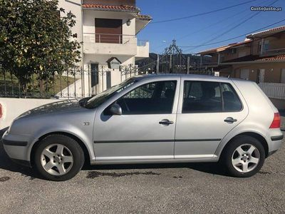 usado VW Golf V portas