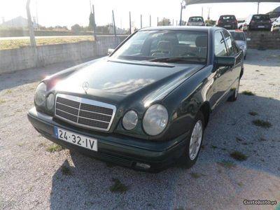 usado Mercedes E200 Classic