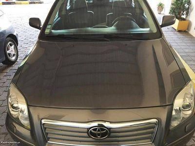 usado Toyota Avensis 2.0 D-4D -