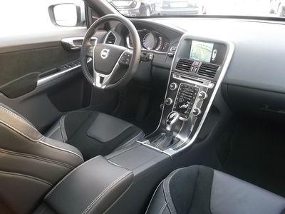 usado Volvo XC60 2.0 D4 190cv R-Design Momentum Geartronic