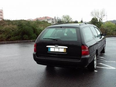 usado Ford Mondeo SW SW GHIA 1.8TD 90cv