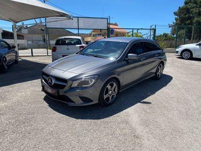 usado Mercedes CLA200 Urban • Bi-Xenon • Navi • Motor Mercedes