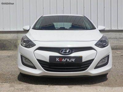 gebraucht Hyundai i30 1.4 CRDi BlueActive