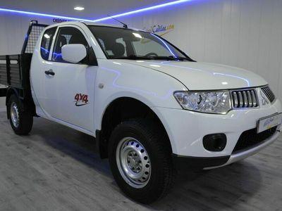usado Mitsubishi L200 4x4 CLUB CAB 3 LUGARES