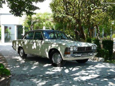 usado Toyota Crown De luxe (2300cc-V6)