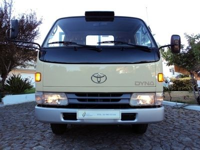 usado Toyota Dyna 4.1 D 280 BU142L