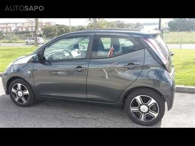usado Toyota Aygo 1.0 X-Clusiv