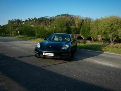 usado Porsche Panamera S V8 4.8 400CV