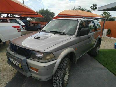 usado Mitsubishi Pajero sport wegon