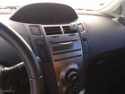 gebraucht Toyota Yaris Sport 1.4D-4D (90cv)