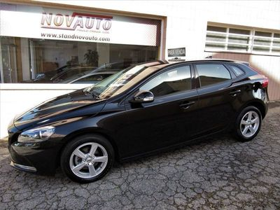 used Volvo V40 2.0 D Business D2