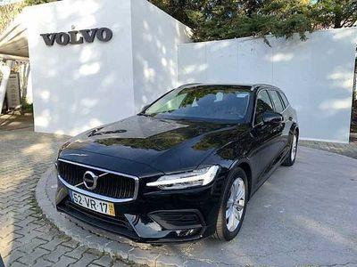 usado Volvo V60 II D3 150cv Momentum Geartronic 8 Vel.