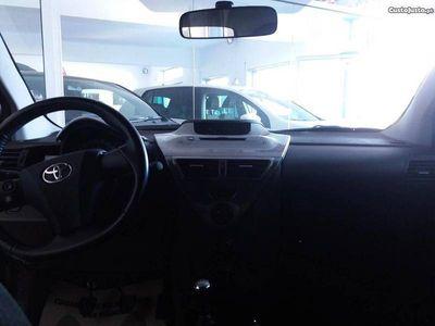 usado Toyota iQ 1.4 d-4d (90cv) - 10