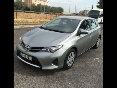 usado Toyota Auris 1.4 D-4D Sol