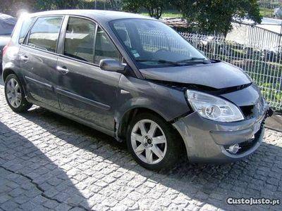 second-hand Renault Scénic 1.5 DCi 105 CV -