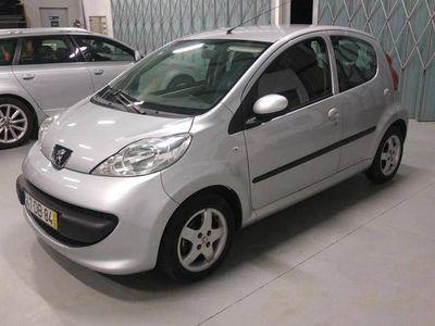 usado Peugeot 107 1.0 Trenty c/A/C -