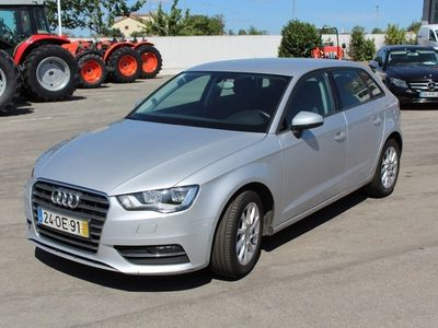 usado Audi A3 Sportback 1.6 TDi Attraction