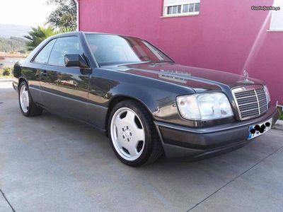 usado Mercedes 230 CE Coupe clássico