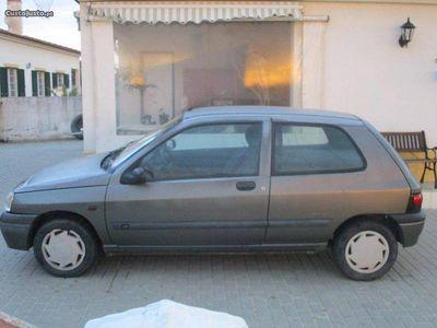 usado Renault Clio 1.9D-191mil km reais