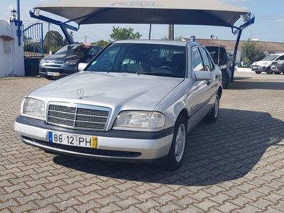 usado Mercedes C220 Classic - 95cv