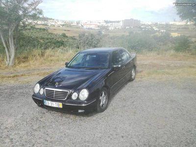 usado Mercedes E320 Sedam