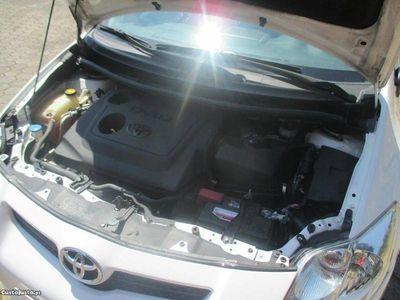 usado Toyota Auris 1.4 90cv c/credito - 09
