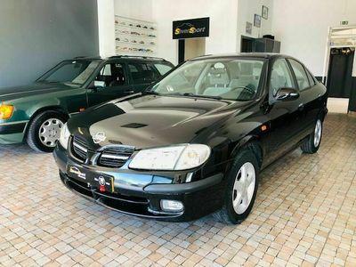 usado Nissan Almera 1.5i Sedan
