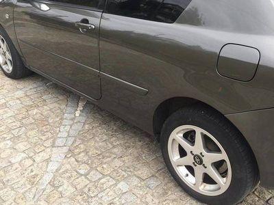 usado Toyota Corolla 2.0 d4d estofos em pele -