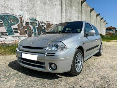 usado Renault Clio R.S. 2.0 SPORT