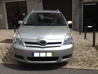 usado Toyota Corolla Verso 2.2 D-4D - 110.000 km - 7 Lugares