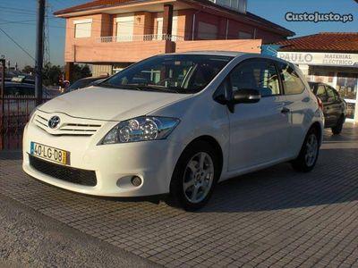 usado Toyota Auris 1.4 D-4D Van