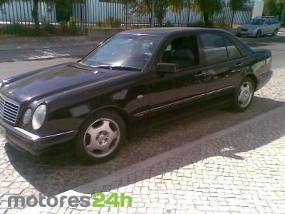 usado Mercedes E300 E TD Avantgarde