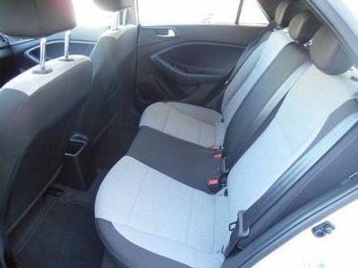 usado Hyundai i20 1.1 GLS CRDi Confort