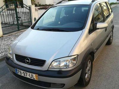 usado Opel Zafira 2.0 DTi 7lug