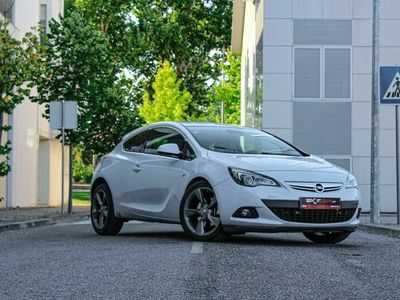 usado Opel Astra GTC 2.0