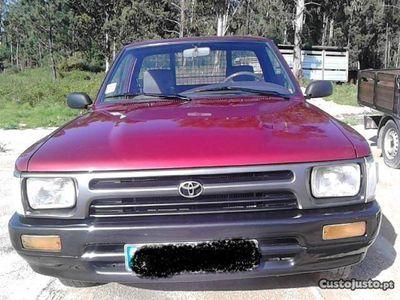 usado Toyota HiLux 2,4d 4x2