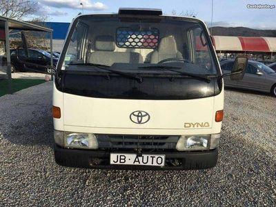 usado Toyota Dyna 150 Tribasculante DA - 98