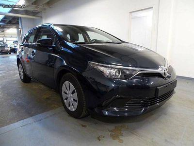 usado Toyota Auris 1.4 D4D