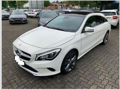 usado Mercedes CLA220 D Shoting brake / GPS / XENON / PANORAMICO
