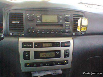 usado Toyota Corolla 2.0d4d 116cv origem - 03