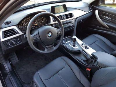 usado BMW 318 d Auto Exclusive