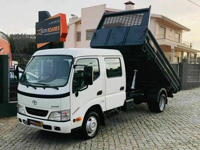 usado Toyota Dyna Tribasculante