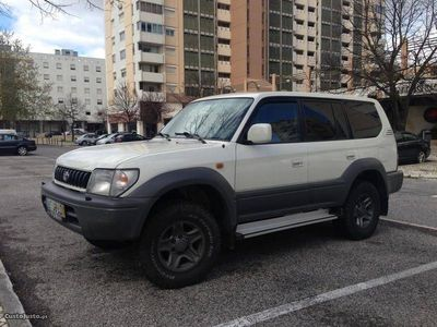 usado Toyota Land Cruiser 125 cv 8 lugares