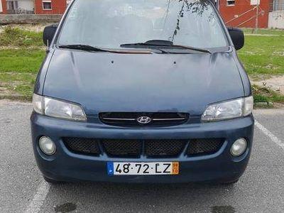 brugt Hyundai H-1 2.5 diesel 9 lugares