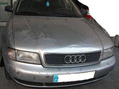 usado Audi A4 1.6 para peças - 96