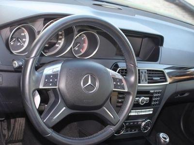 usado Mercedes C180 AVANTGARDE