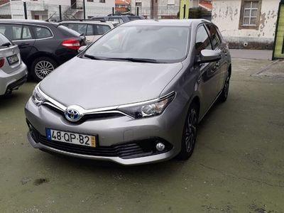 usado Toyota Auris 1.8 hybrid