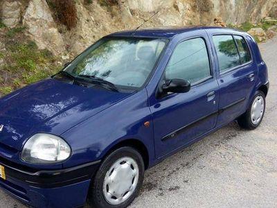 usado Renault Clio 1.2 impecavel -