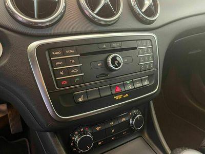 usado Mercedes GLA180 STYLE NAVI FULL LED